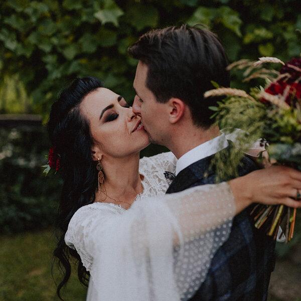 Baśniowy ślub w plenerze | Tabun w Otominie A+M