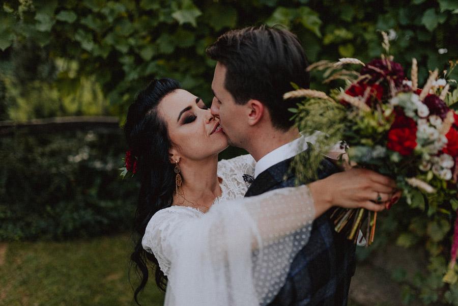 Baśniowy ślub w Tabunie | ceremonia w plenerze A+M 105 alebosco ania mateusz tabun 1036