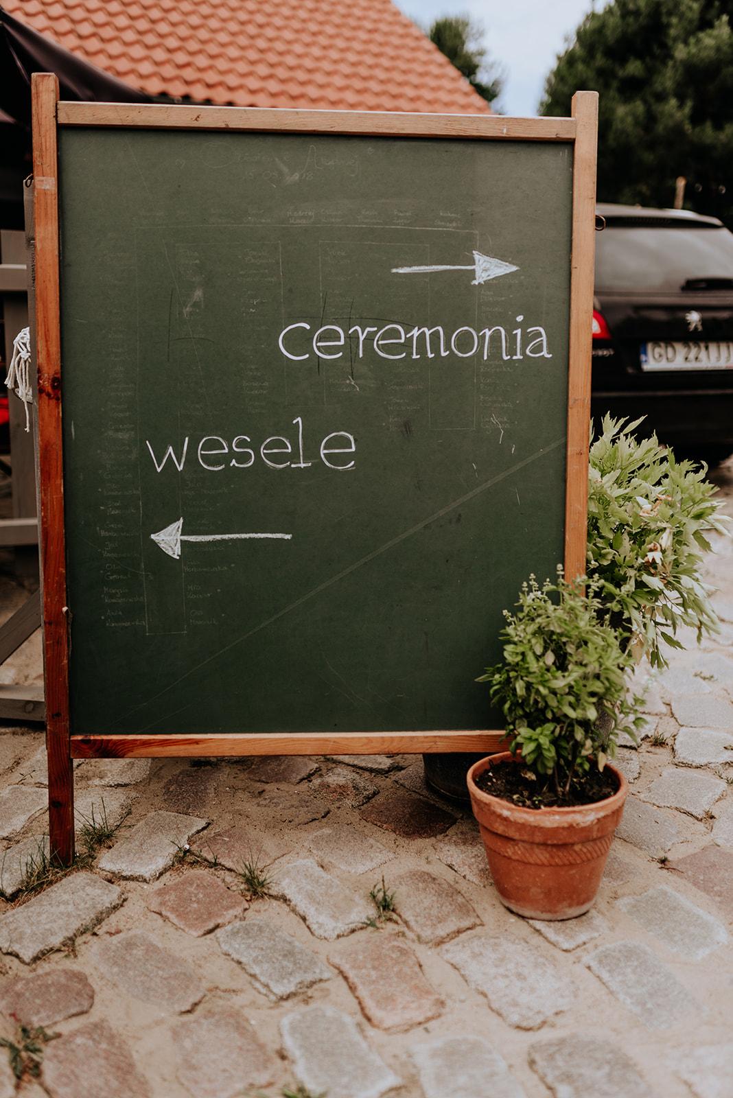 Baśniowy ślub w Tabunie | ceremonia w plenerze A+M 43 alebosco ania mateusz tabun 256b