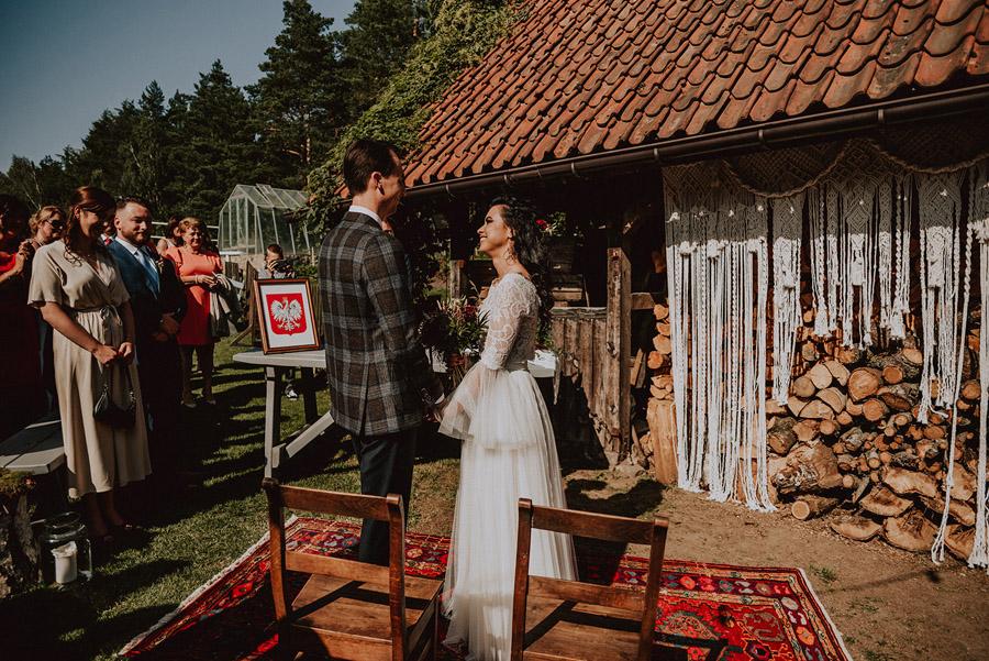 Baśniowy ślub w Tabunie | ceremonia w plenerze A+M 47 alebosco ania mateusz tabun 283c