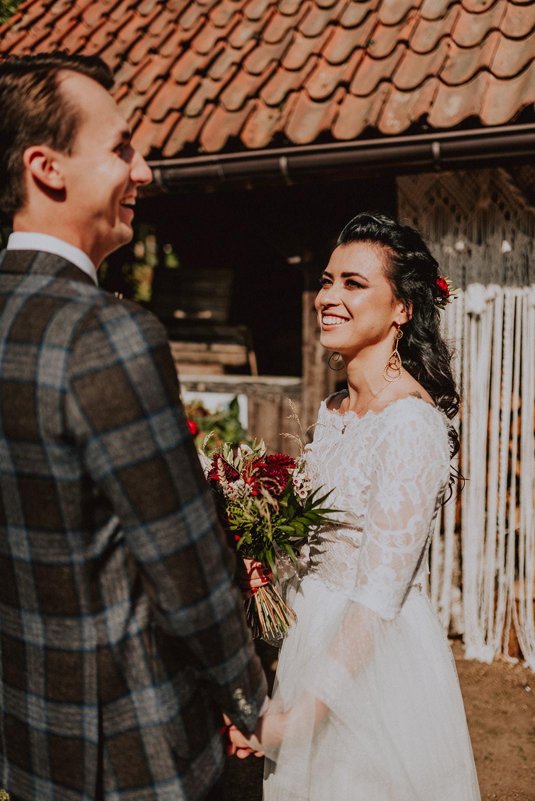Baśniowy ślub w Tabunie | ceremonia w plenerze A+M 48 alebosco ania mateusz tabun 301