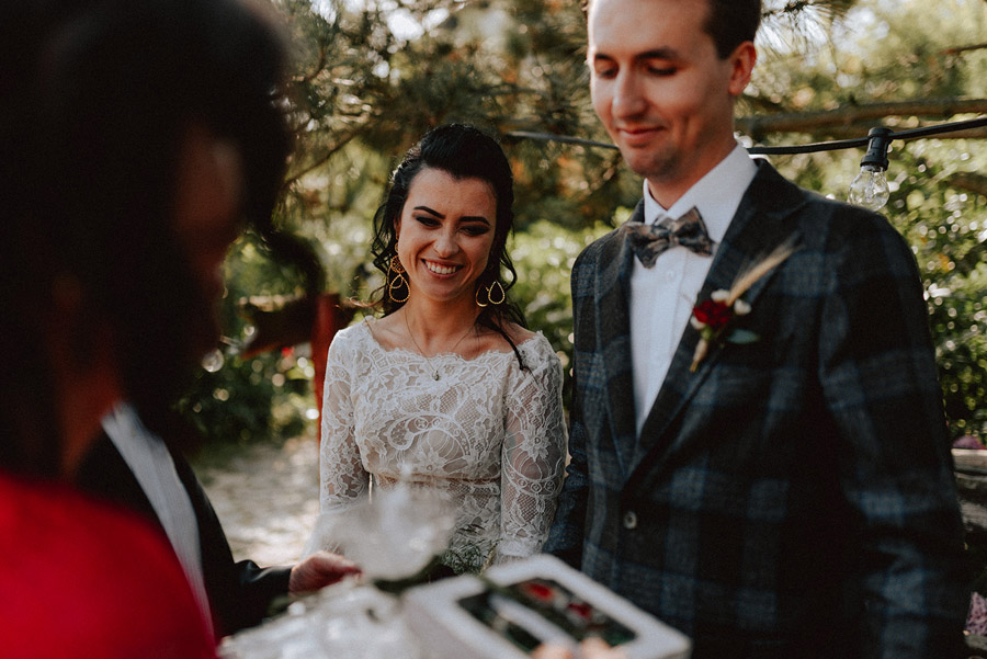 Baśniowy ślub w Tabunie | ceremonia w plenerze A+M 55 alebosco ania mateusz tabun 395