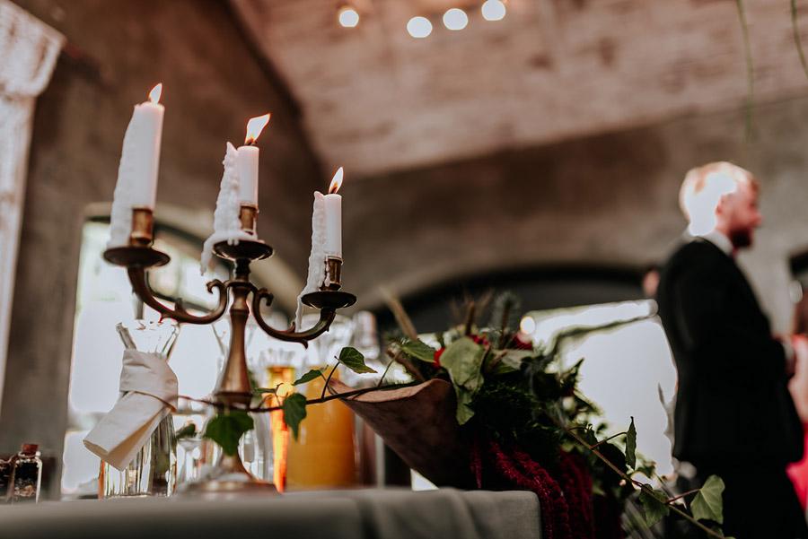 Baśniowy ślub w Tabunie | ceremonia w plenerze A+M 66 alebosco ania mateusz tabun 562b 1