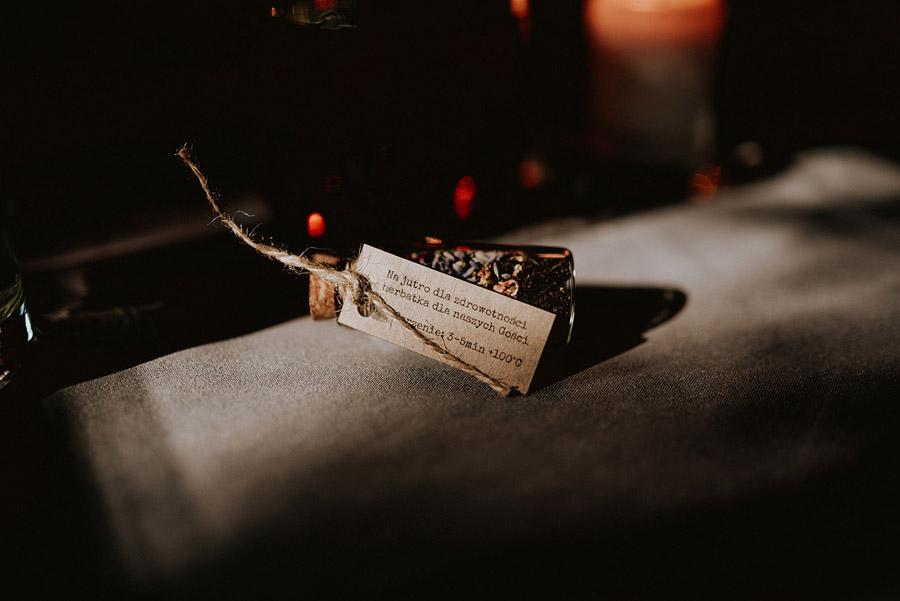 Baśniowy ślub w Tabunie | ceremonia w plenerze A+M 73 alebosco ania mateusz tabun 567c