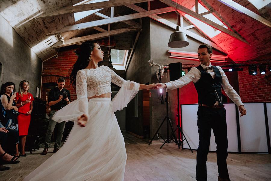 Baśniowy ślub w Tabunie | ceremonia w plenerze A+M 78 alebosco ania mateusz tabun 567g 2