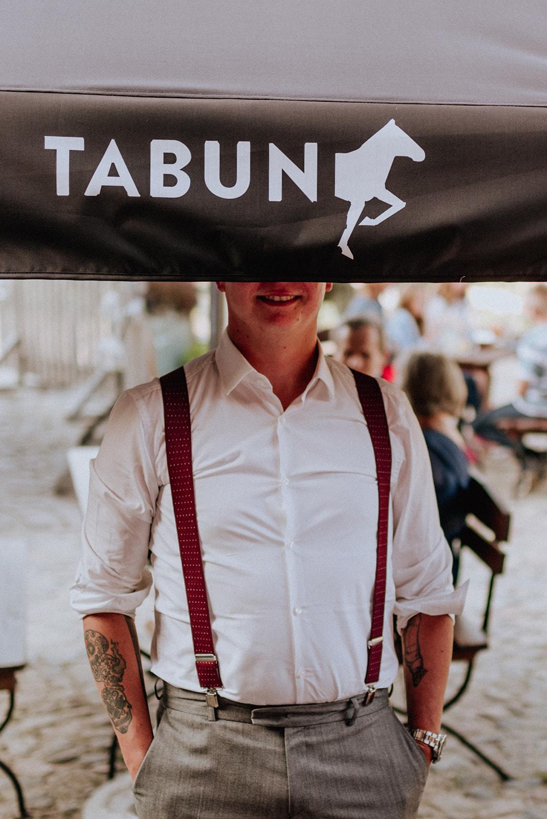Baśniowy ślub w Tabunie | ceremonia w plenerze A+M 85 alebosco ania mateusz tabun 572