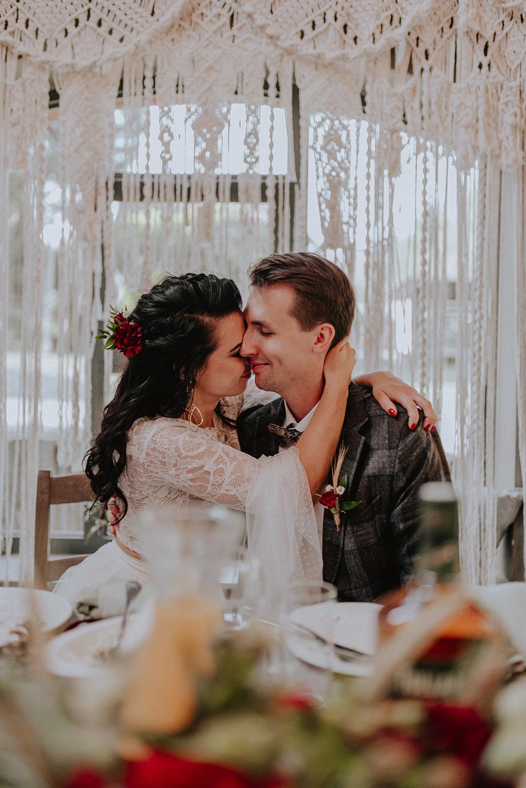 Baśniowy ślub w Tabunie | ceremonia w plenerze A+M 90 alebosco ania mateusz tabun 611