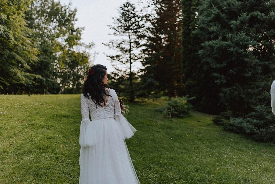 Baśniowy ślub w Tabunie | ceremonia w plenerze A+M 94 alebosco ania mateusz tabun 966