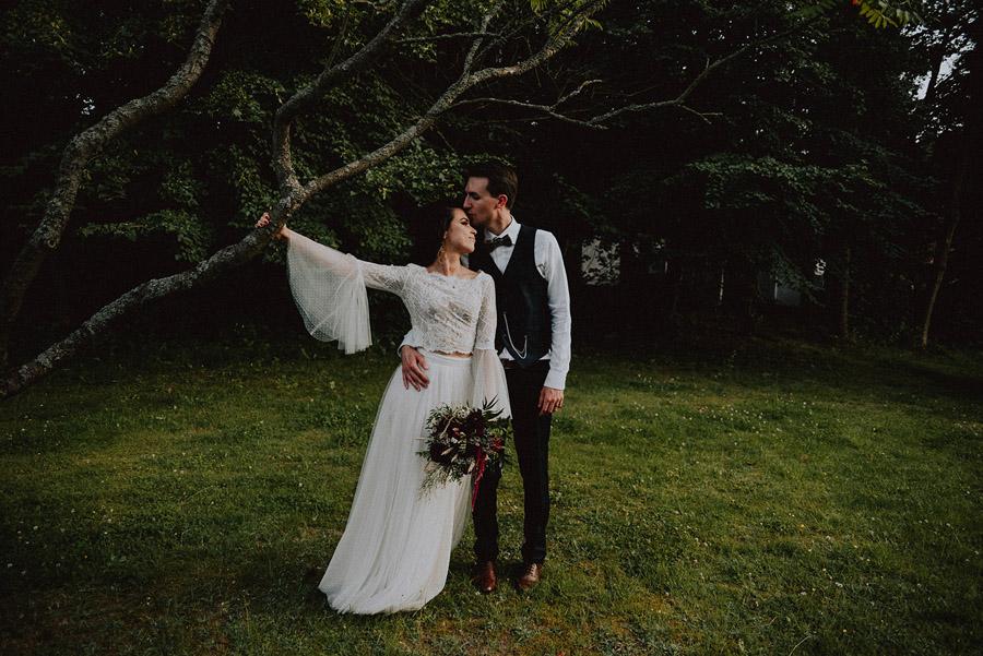 Baśniowy ślub w Tabunie | ceremonia w plenerze A+M 98 alebosco ania mateusz tabun 985