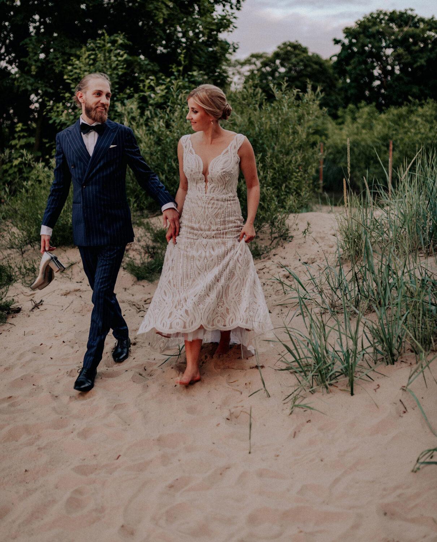 wesele przy plaży restauracja nad potokiem ślub w plenerze