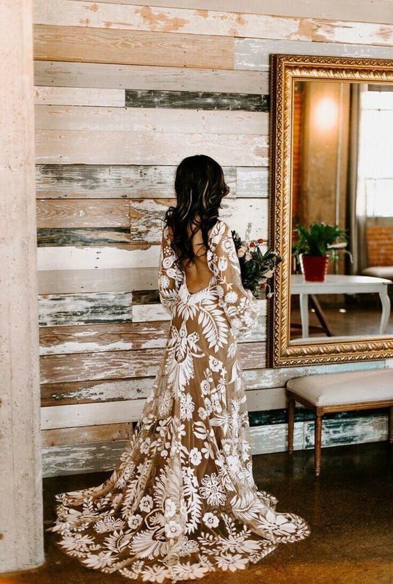 Najpiękniejsze suknie ślubne w stylu BOHO 22 a425634ca457e2238656cb2582b5e8cb