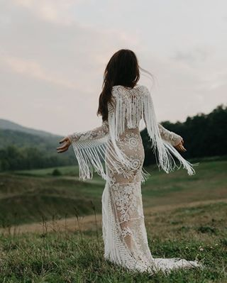 Najpiękniejsze suknie ślubne w stylu BOHO 30 d5aef2d2083c52e4d4948eb5f4e3f1d6