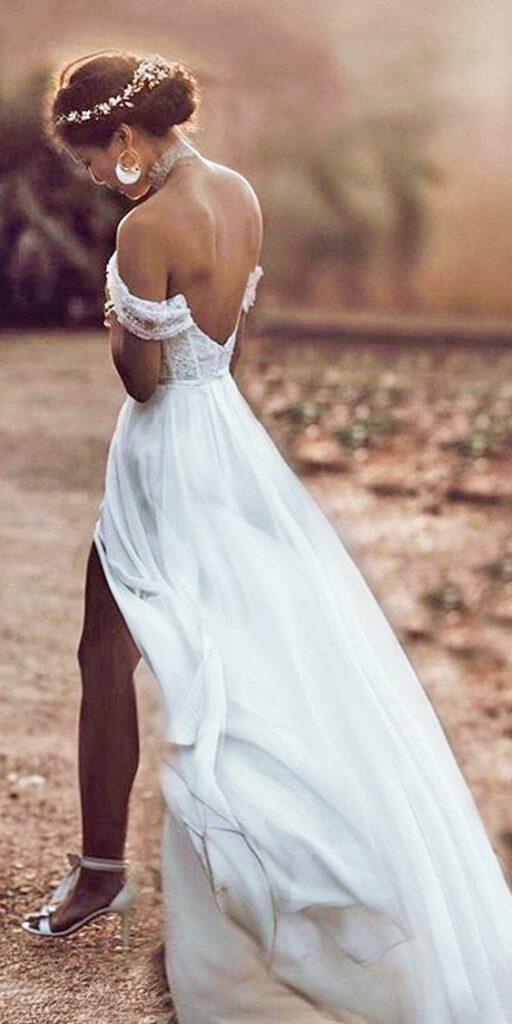 Najpiękniejsze suknie ślubne w stylu BOHO 33 ef1385a750bfe1c426f3ca11d98c4258