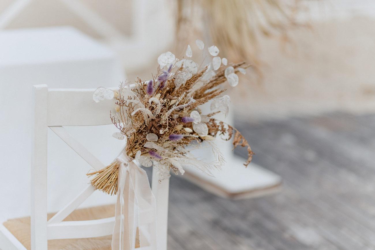 Minimalistyczny ślub na plaży | White Marlin A+K 35 224 alebosco ceremonia na plazy ak white marlin