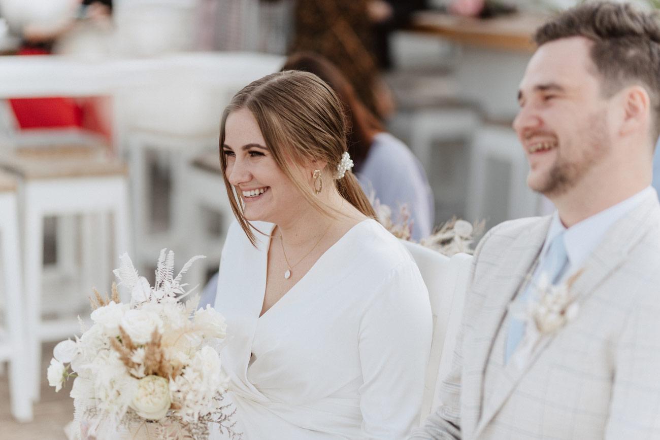 Minimalistyczny ślub na plaży | White Marlin A+K 45 239 alebosco ceremonia na plazy ak white marlin