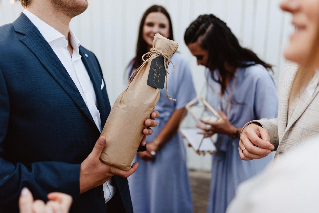 Minimalistyczny ślub na plaży | White Marlin A+K 63 260 alebosco ceremonia na plazy ak white marlin