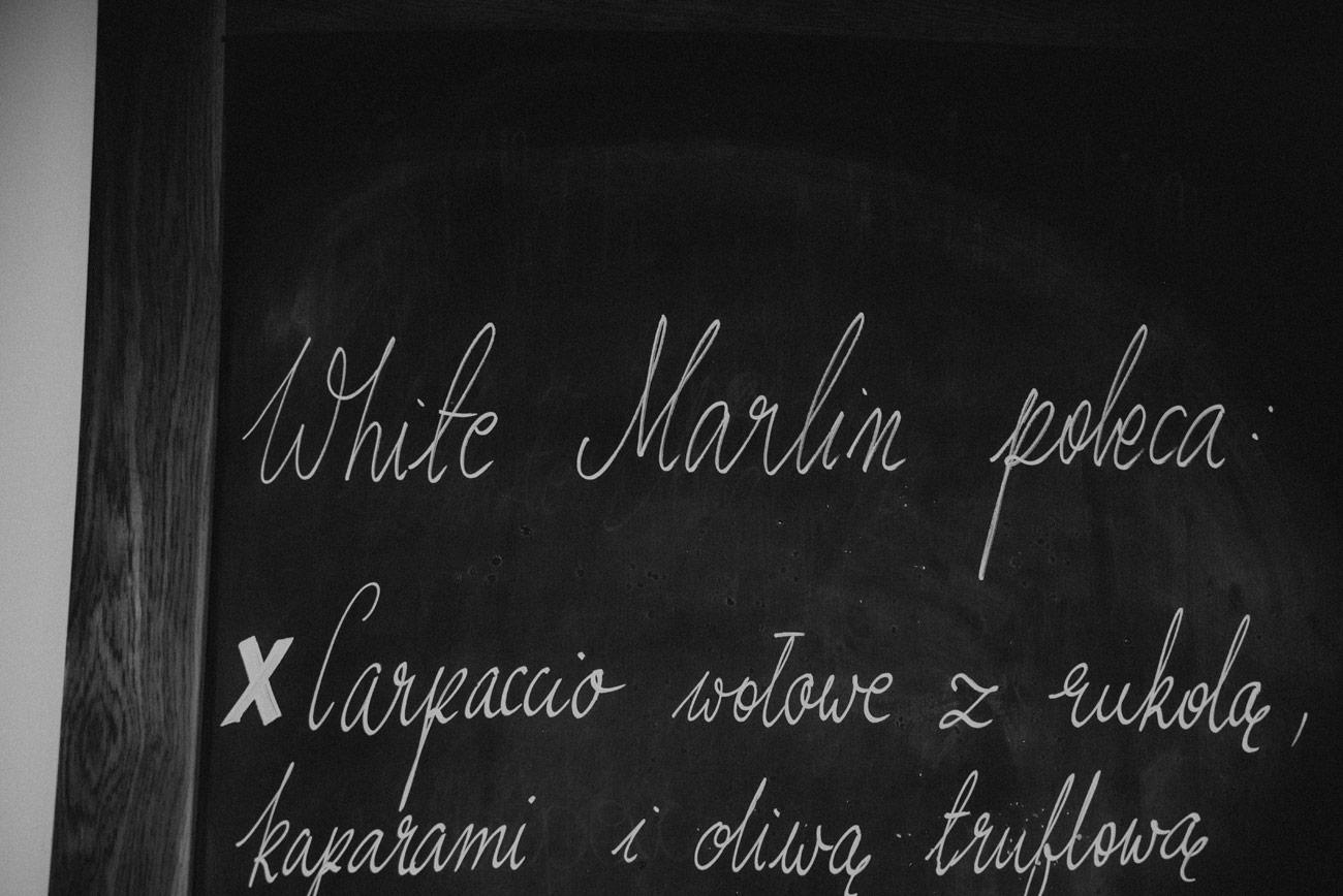 Minimalistyczny ślub na plaży | White Marlin A+K 73 270 alebosco ceremonia na plazy ak white marlin